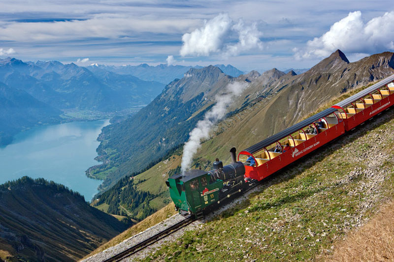 Brienzer Rothorn train above Lake Brienz