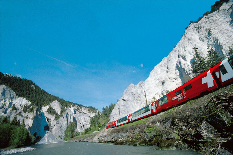 Glacier Express in the Rhine Gorge