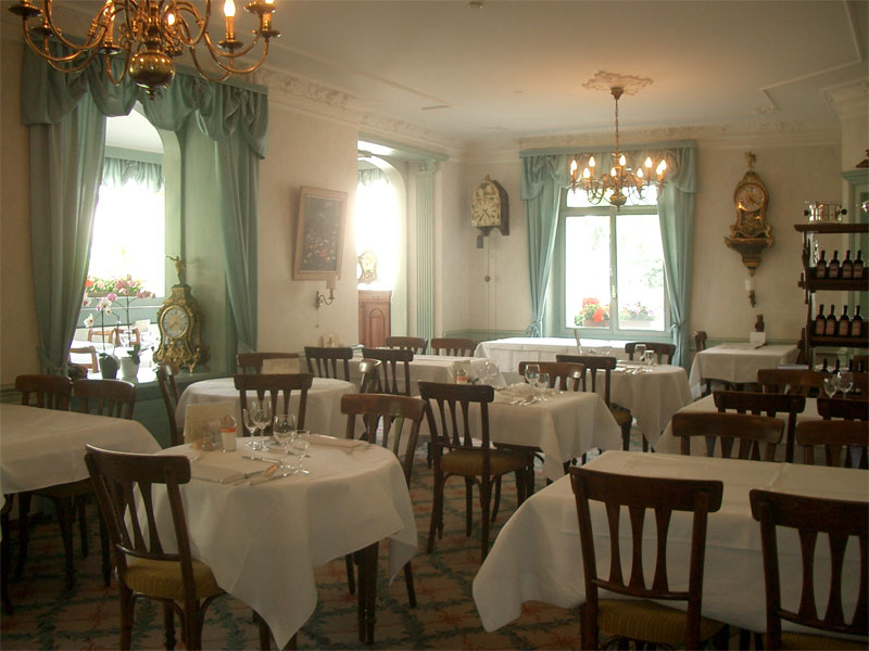 Hotel de la Paix, breakfast room