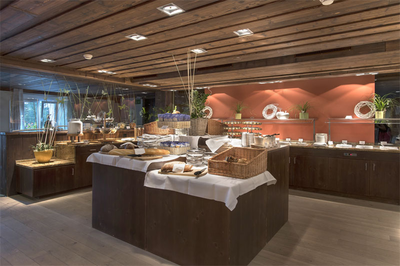 Sunstar Hotel Arosa, buffet breakfast
