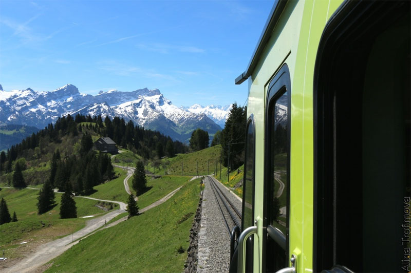 Villars train to the mountains