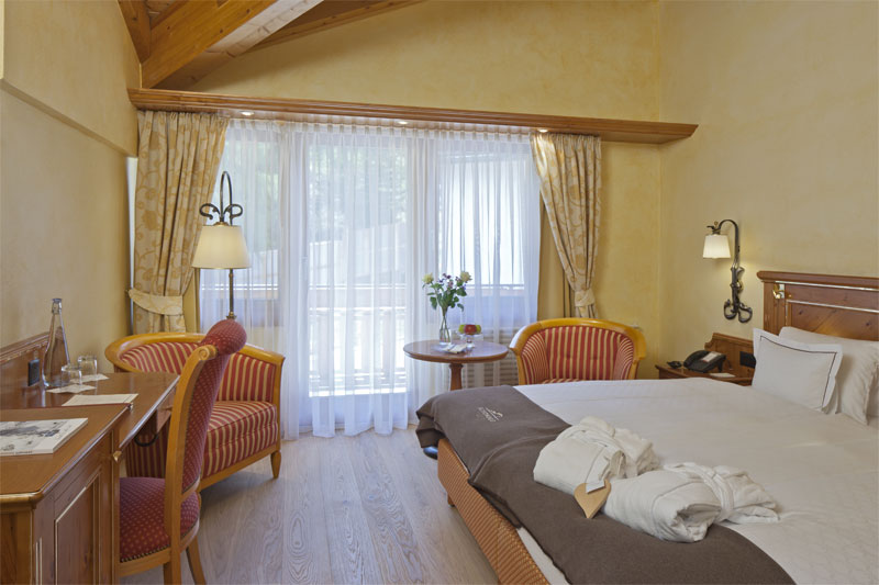 Chalet Hotel Schönegg, example of a bedroom