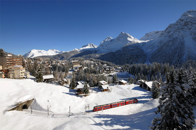 Arosa Line approaching Arosa in winter