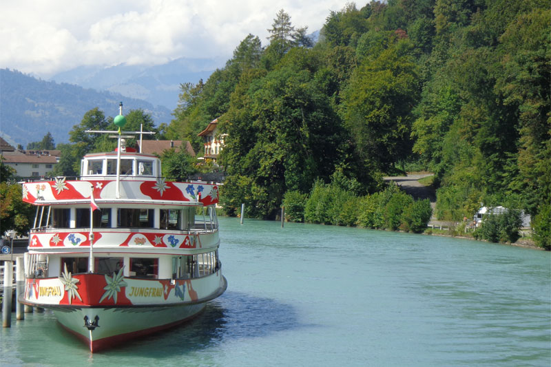 The Jungfrau boat sails on Lake Brienz