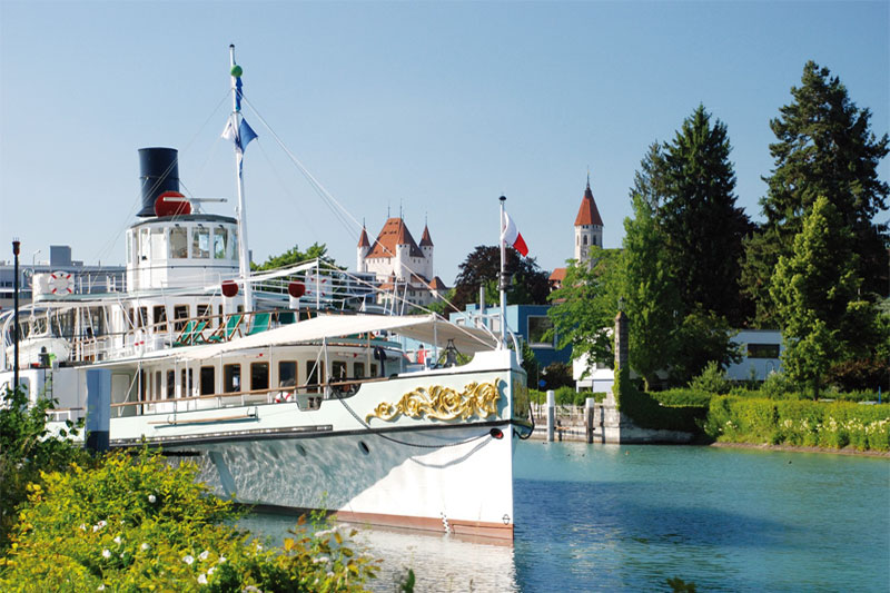 Cruise to Thun on the lake of the same name