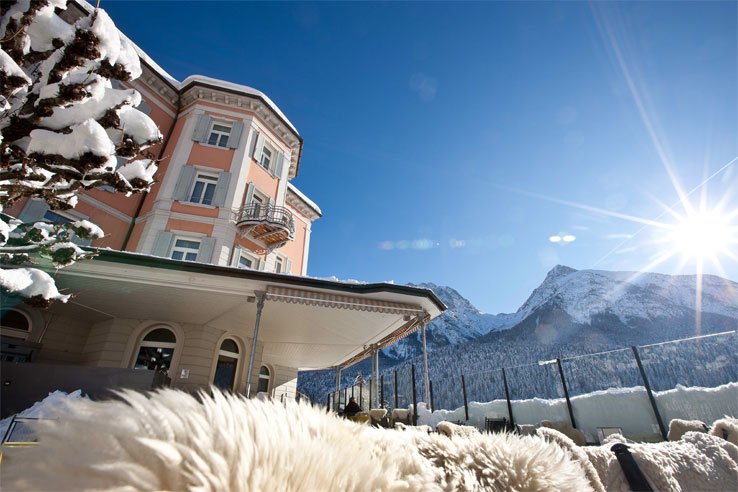 Hotel Belvedere in winter