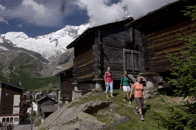 Saas-Fee is at the heart of a walking region