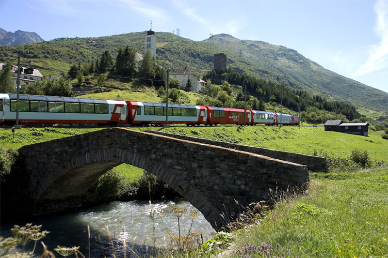Glacier Express near Andermatt