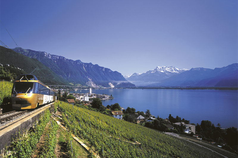 GoldenPass Line beside Lake Geneva
