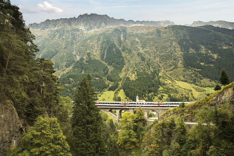 On the route of the Gotthard Panorama Express