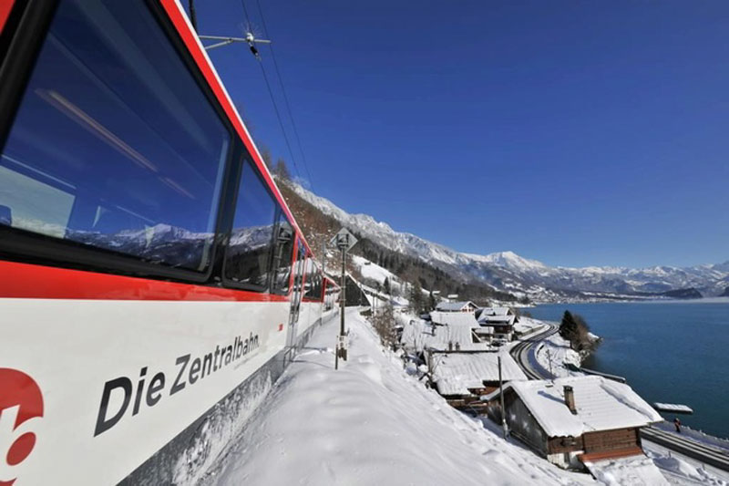Winter journey on the Luzern-Interlaken Express