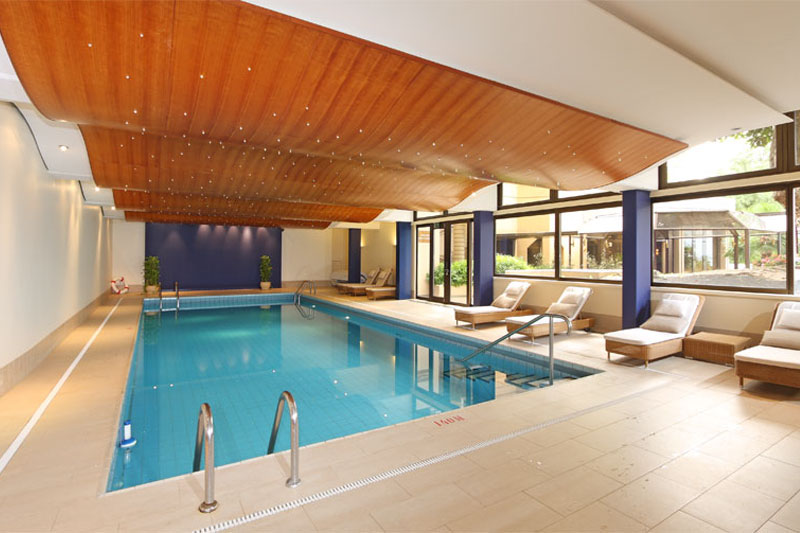 Royal Plaza, Montreux - hotel swimming pool